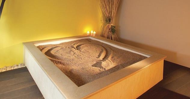 Песчаная кушетка
